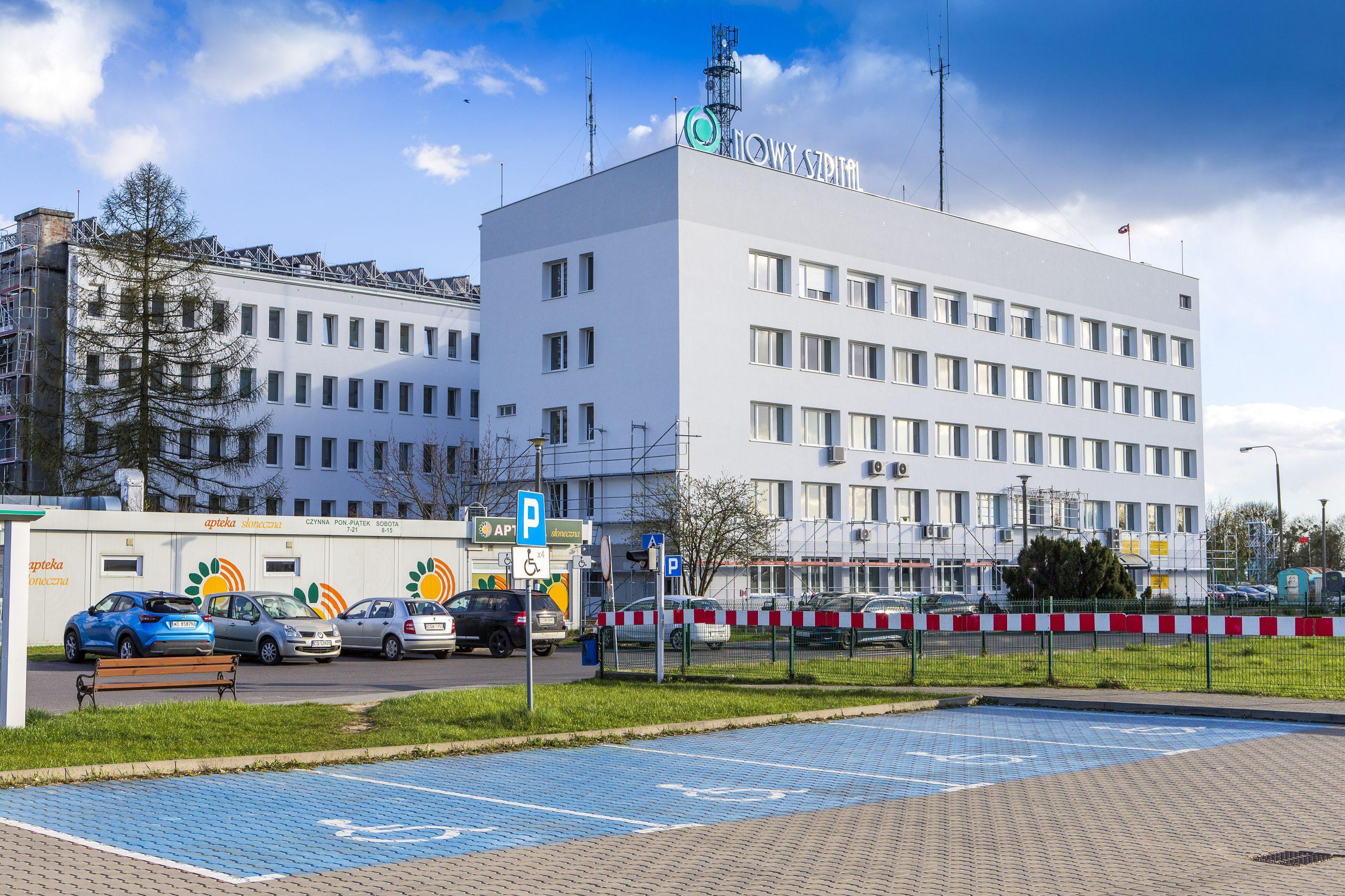 widok na budynek NZOZ Nowy Szpital w Świeciu