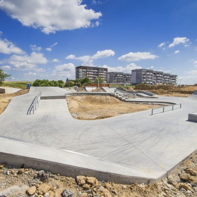 widok na rempę Art- Parku z prawej strony