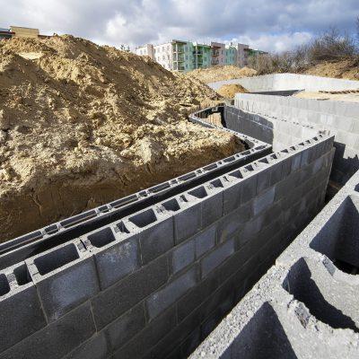 widok na budowę ścian rampy Art- Parku