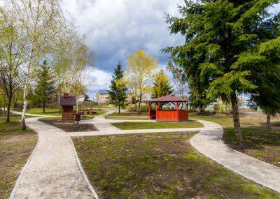 widok na park w centrum rekraecyjjny we Wiągu