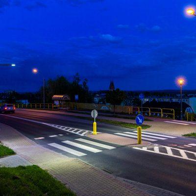oświetlone przejście dla pieszych