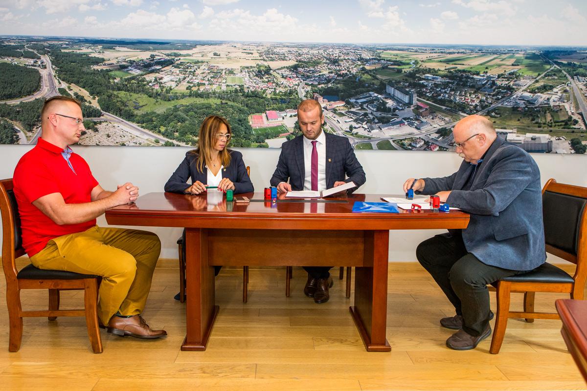 Podpisanie umowy w Urzędzie Miejskim
