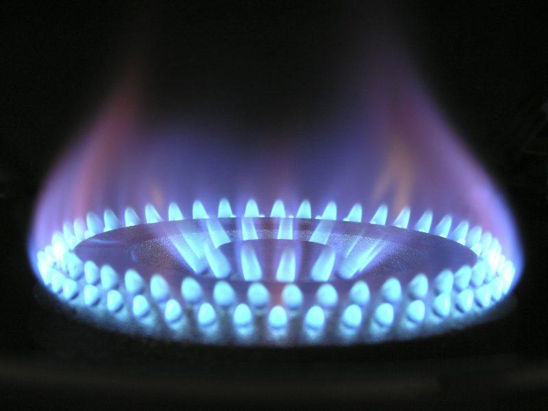 płomień z palnika gazowego